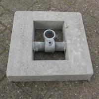 betonblok-met-draaibare-koppeling-400x400x70cm